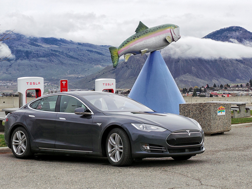 Tesla Supercharger in BC