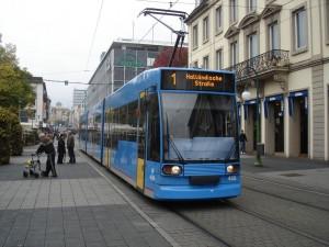 Kassel-tram-Flickr-kaffeeeinstein